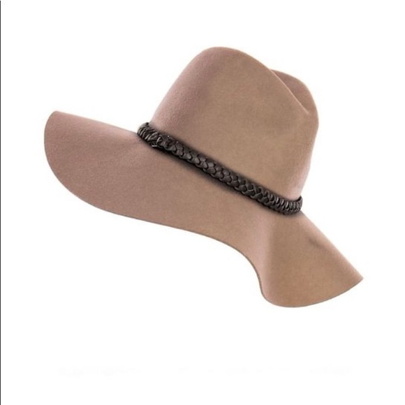 6d04440a4d6 Accessories - C.C Exclusives 100% Wool Floppy Hat NEVER WORN